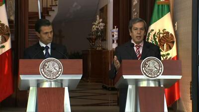 Rogelio Ortega y Enrique Peña Nieto informan sobre las acciones que toma...