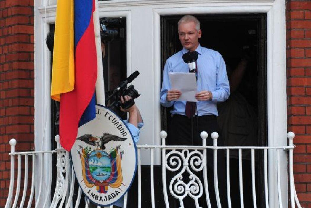 Julian Assange: Es australiano, tiene 41 años y es el Fundador de la org...