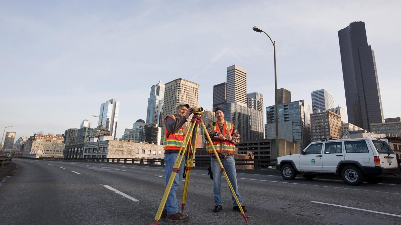 Isaac Cohen: Estancamiento secular GettyImages-Viaduct-Construction.jpg