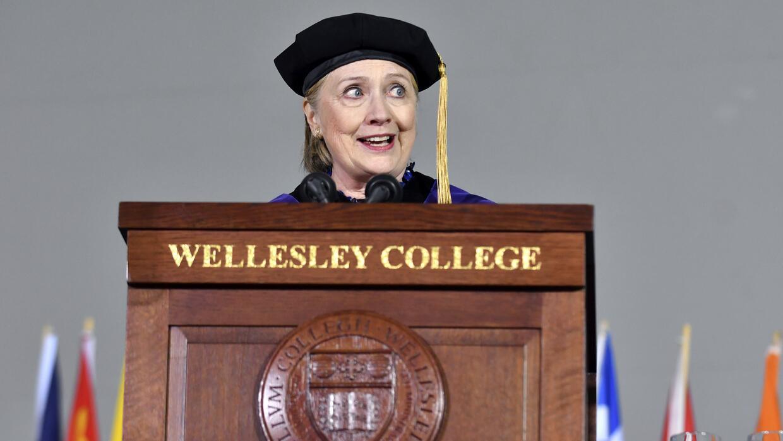 Es el tercer discurso de graduación que pronuncia Clinton desde su propi...