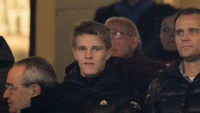 Ödegaard presenció el duelo de los 'Merengues' ante el Atlético en Copa...