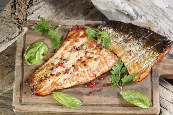'Fish' tacos. Los tacos también pueden ser 'light'. Condimenta filetes d...