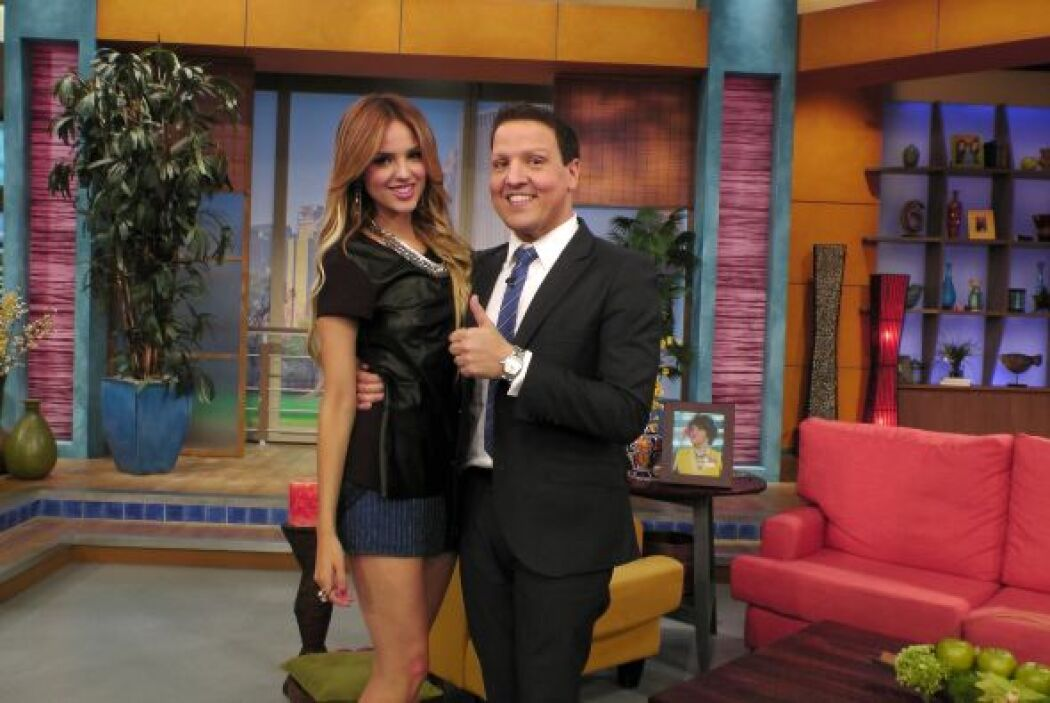 Raúl se tomó la foto del recuerdo con Eiza González.