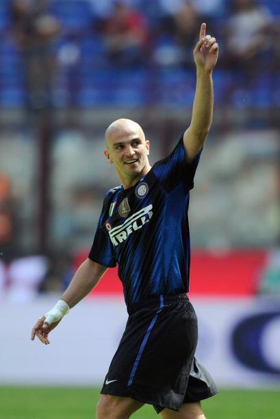 El agentino Esteban Cambiasso marcó el 2-0 al minuto 28, solo tre...