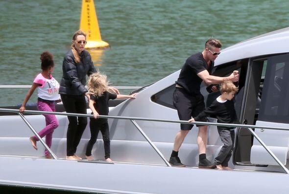 """Brad estaba en Inglaterra filmando una nueva película, """"Fury"""". Más video..."""