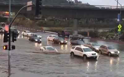 Lamborghini desafía las inundaciones de El Niño en San Diego