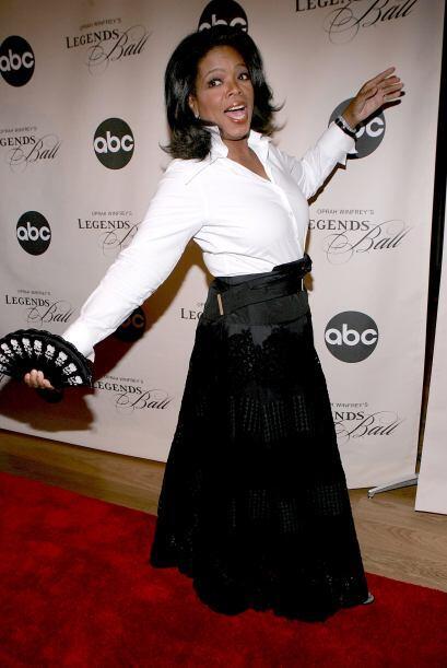 Con todo y abanico en una gala, en mayo de 2006. ¡Cuánto estilo!  Mira a...