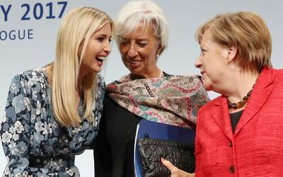 Ivanka Trump visita en Alemania a Angela Merkel