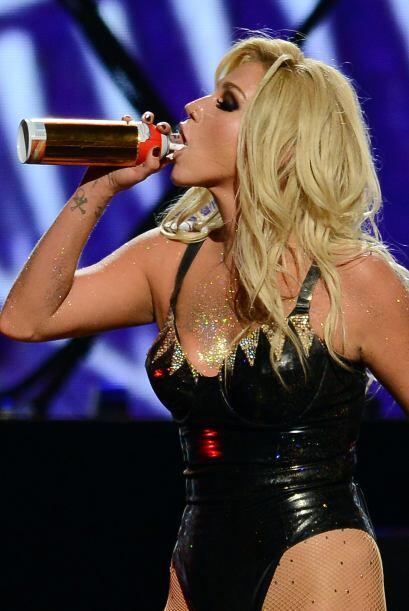 Al parecer la crisis alimenticia que puso a la cantante Ke$ha en un cent...
