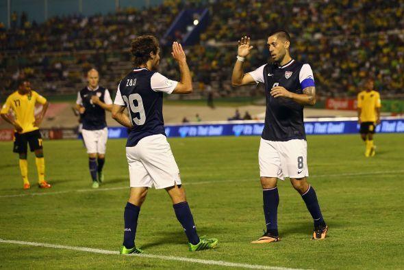 La escuadra norteamericana se adelantó 1-0 con un remate de cabeza de Jo...