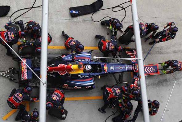 La escudería Red Bull sí tuvo un día perfecto en la pista y en los 'pits''.