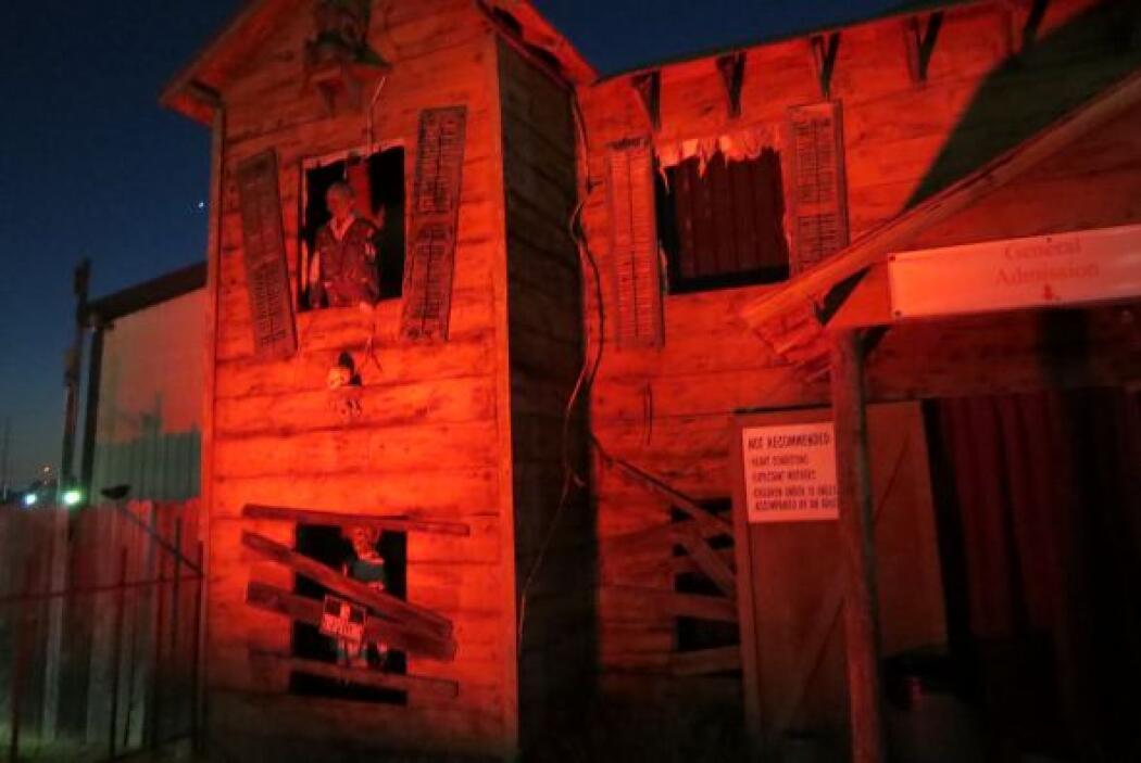 Con tres casas de espanto, un escalofriante laberinto al aire libre y un...