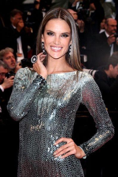 Alessandra Ambrosio además de tener un cuerpo espectacular &iexcl...