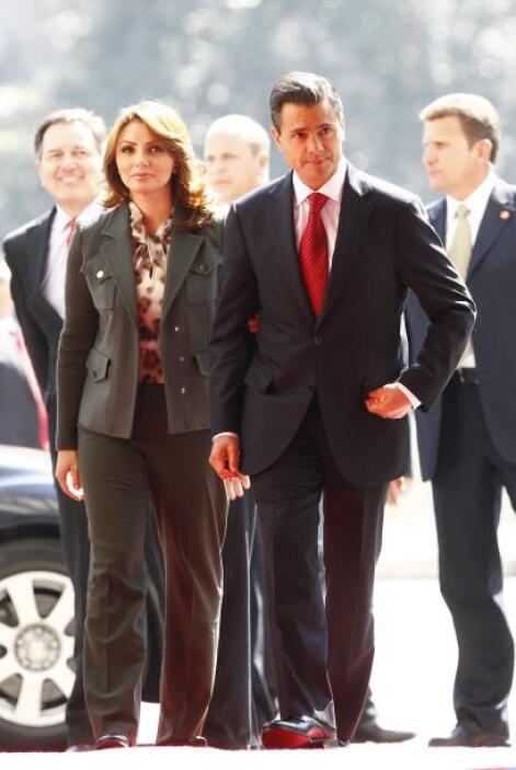 Empresarios, políticos y otros han entregado a la pareja presidencial hu...