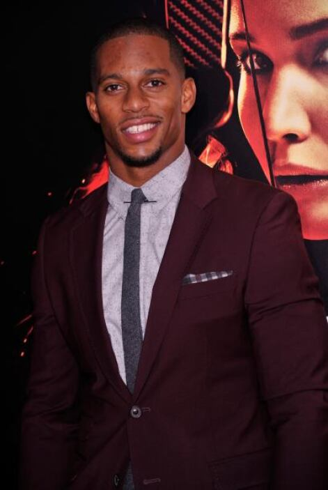 "Victor Cruz En la premiere de ""The Hunger Games: Catching Fire"".   Más v..."