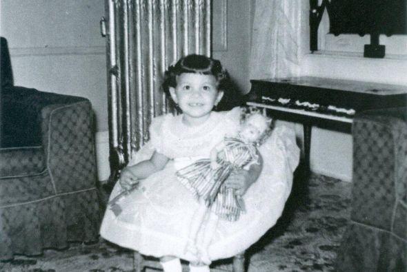 Su madre Delia Betancourt y su padre Héctor Monge.