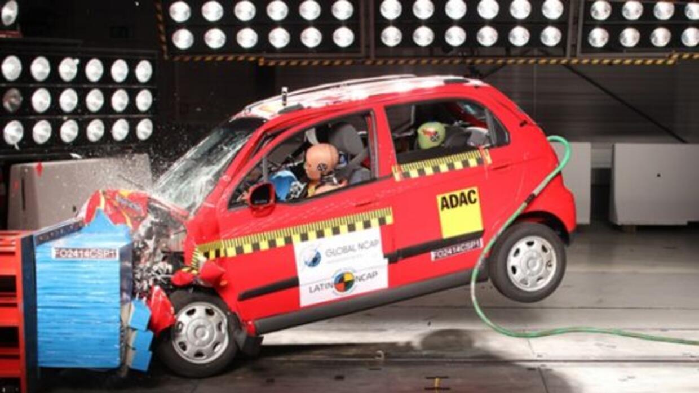 Afortunadamente ya se hacen pruebas de colisión con los autos que se ven...