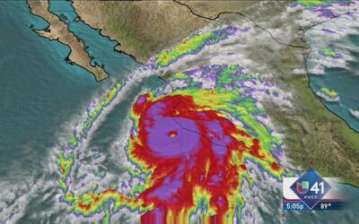 Puerto Vallarta se prepara para Patricia