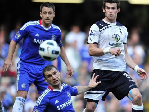 Chelsea recibió al poderoso Tottenham con la obligación de...
