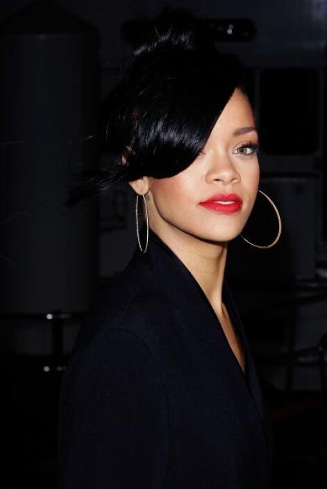 Como novia de Chris Brown no quería que se le moviera ni un solo pelo de...