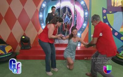Ana Patricia cayó redondita al entrar a Premios Juventud 2014
