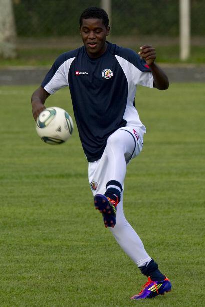 El juvenil fue comprado por el Arsenal inglés y prestado al Lorie...