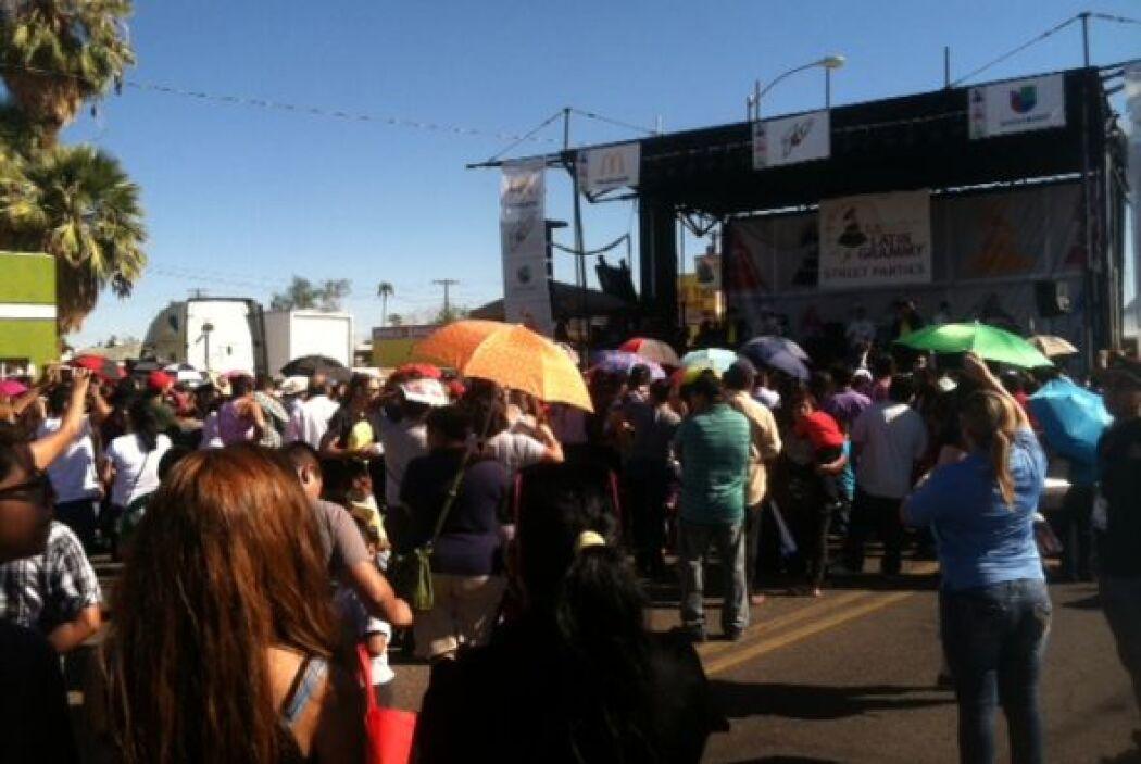 Al llegar el medio día el centro de Phoenix se llenó de puro sabor latin...