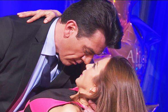 ¡Cuidado Ana! Otro poquito y Fernando te da un beso frente a Diego.