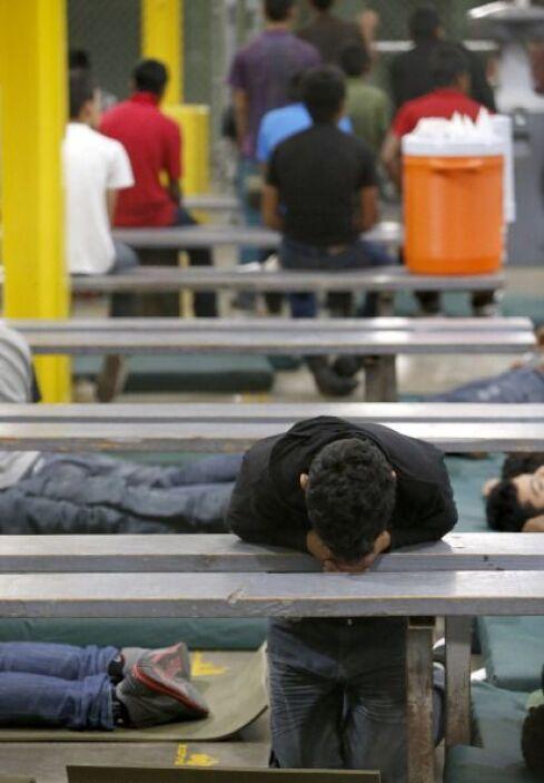 Consulados de El Salvador y Honduras en Los Ángeles responden ante la cr...