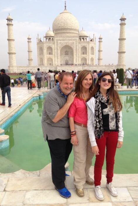 Uno de los lugares más visitados de la India es la tumba del Taj Mahal y...