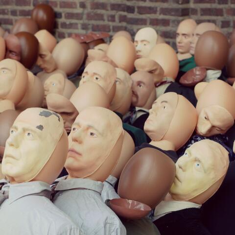 El problema es cuando la raza, color u origense convierten en parte ruti...