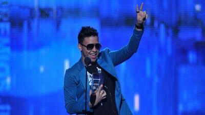 El 'Príncipe de la Bachata' arrasó en la noche de Premios Juventud 2011.