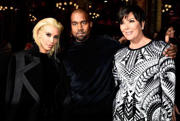 En realidad la Kardashian no está sufriendo por su cabellera rubia, ¡le...