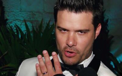 Feliz y enamorado: Brandon Peniche presume con orgullo su argolla de mat...