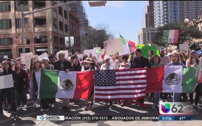 Cientos de personas protestan durante 'Un día sin inmigrantes'