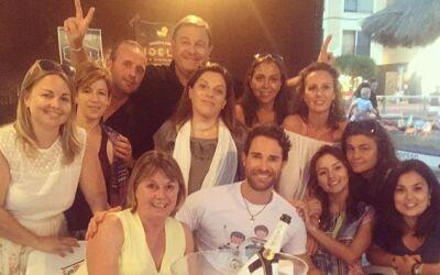¡Angelique viajó con sus suegros a España!