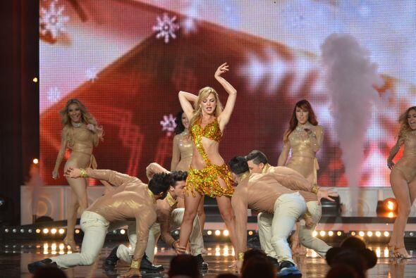A este 'party' se sumaron más bailarinas...