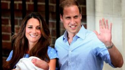 El afortunado fotógrafo elegido por William y Kate ha colaborado con rev...