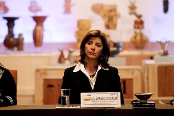 La canciller colombiana, María Ángela Holguín, asistió a la presentación...