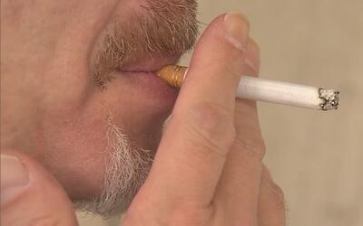 Proyecto de ley busca prohibir la venta de tabaco a menores de 21 años d...