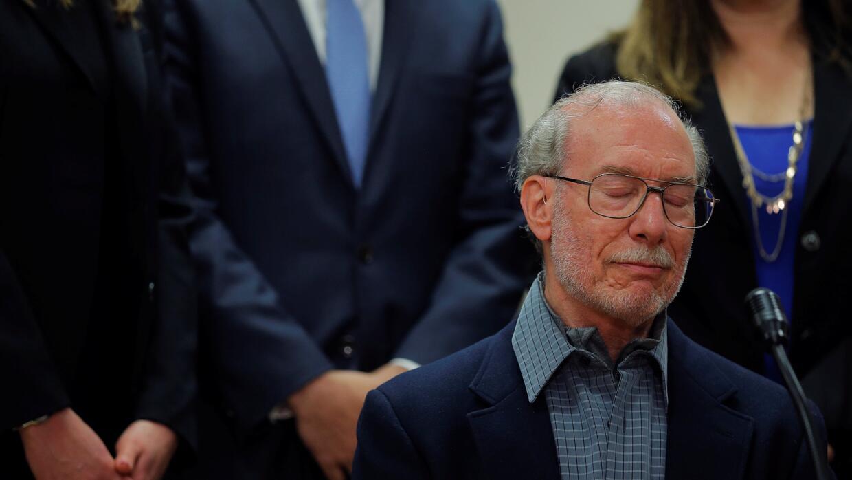 Stanley Patz, el padre del niño Etan Patz desaparecido en 1979, hace una...