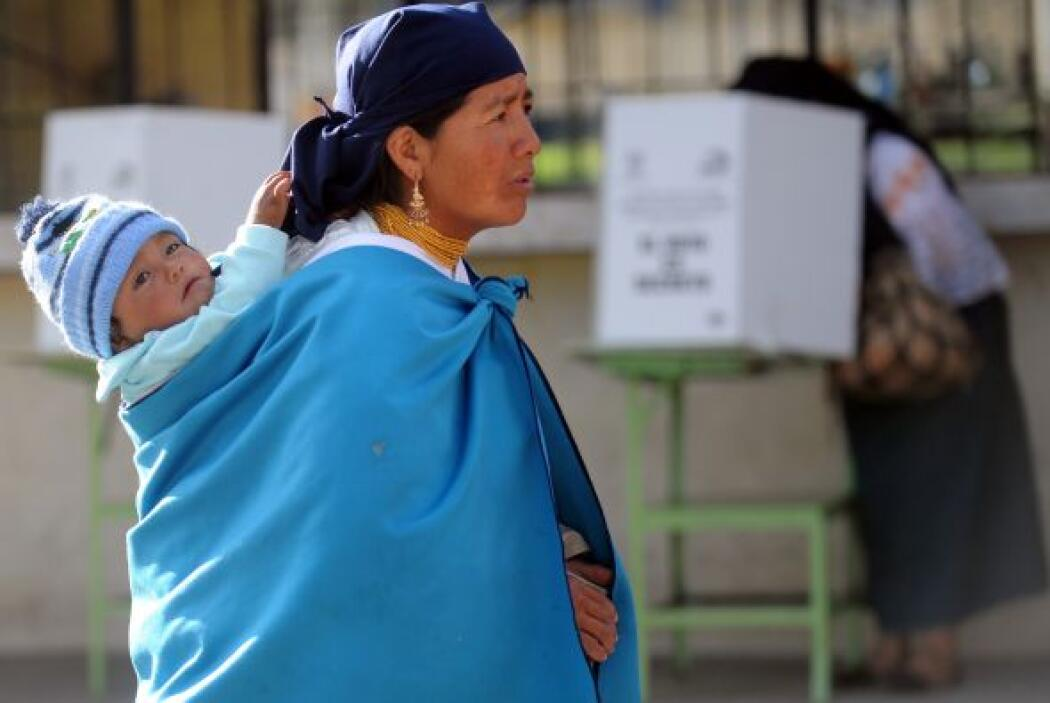 Los ecuatorianos decidían el sábado si otorgan o no el voto de confianza...