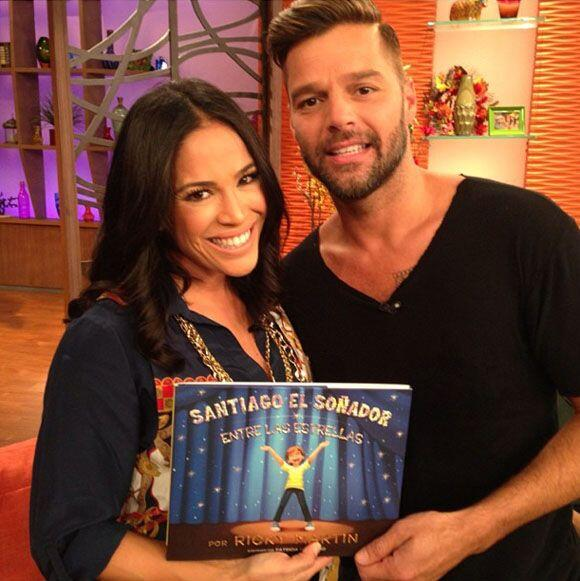 """""""¡Gracias, @ricky_Martin, por el libro para mis hijas! #Santiagoelsoñado..."""