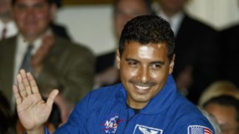 José Hernández fue el primer astronauta que usó Twitter en español duran...