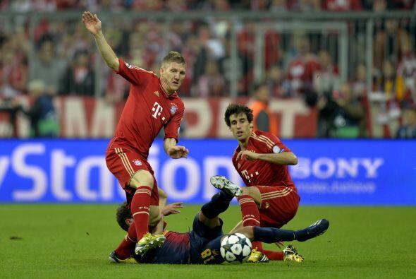 Ya en las acciones del duelo, los alemanes salieron a presionar en todas...