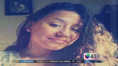 Adolescente enfrenta cargos por asesinato de su madre y padrastro