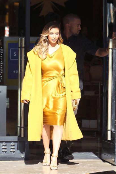 Brilló a tal grado de casi dejarnos ciegos, Kim Kardashian err&oa...