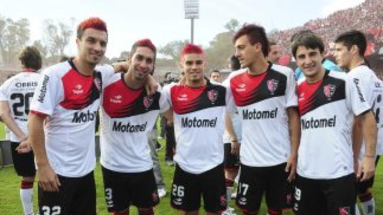 Argentino Juniors lidera junto a Gimnasia el torneo argentino.