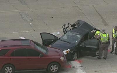 Un autobús escolar y tres autos se vieron envueltos en un accidente de t...