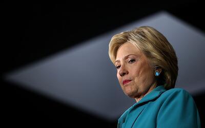 Clinton infringió las normas del Departamento de Estado, según un nuevo...